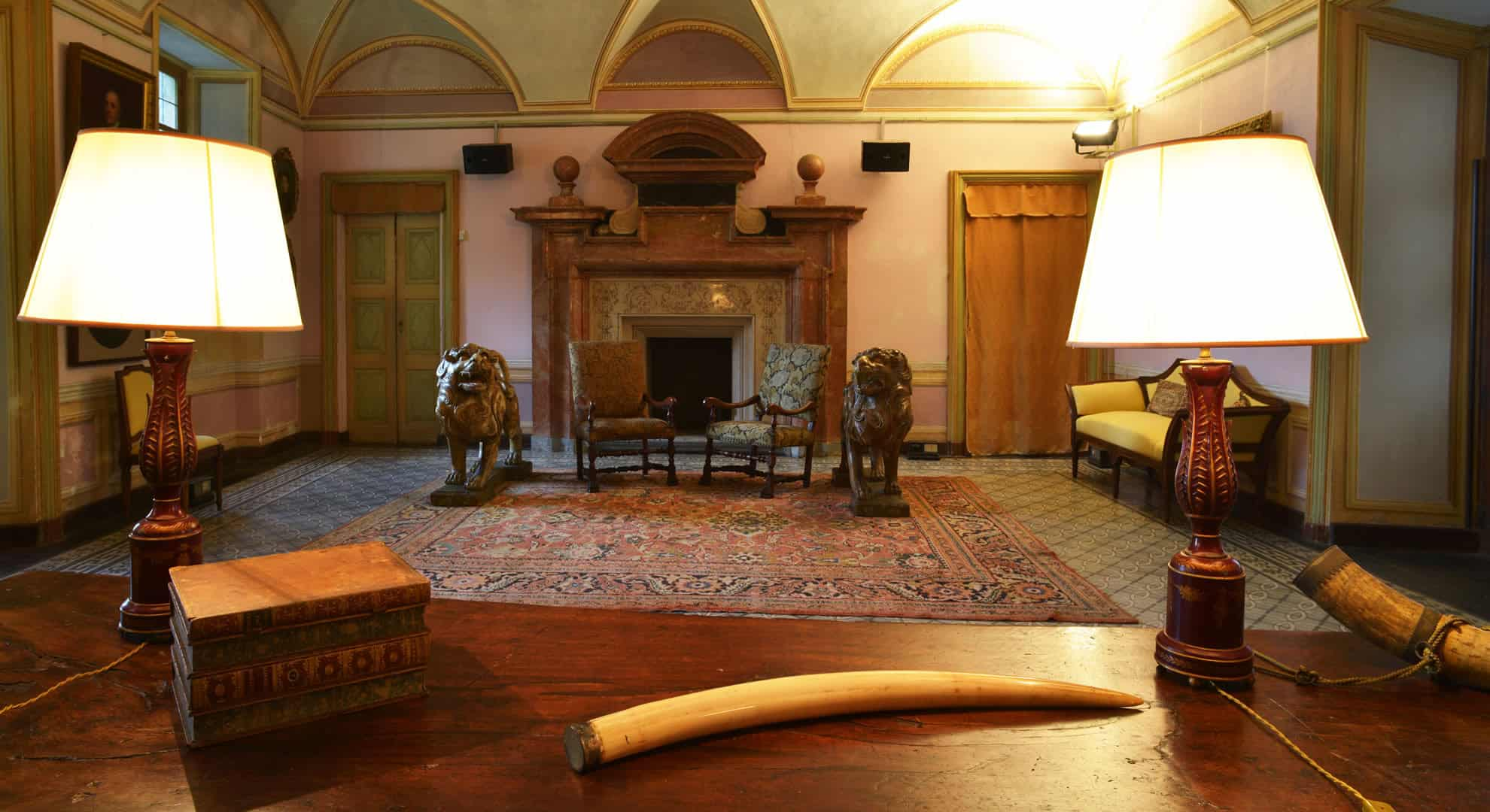sala camino palazzo la marmora